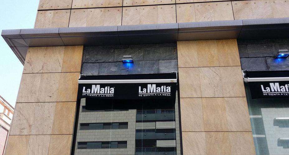 Instalaciones eléctricas en Restaurante La Mafia - Electricistas en Córdoba